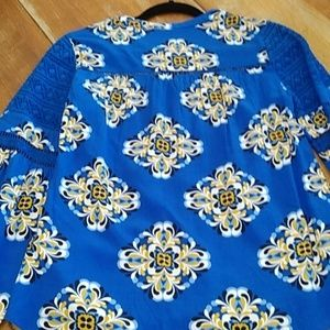 crown & ivy Tops - Crown & Ivy blouse crochet detail new size XS